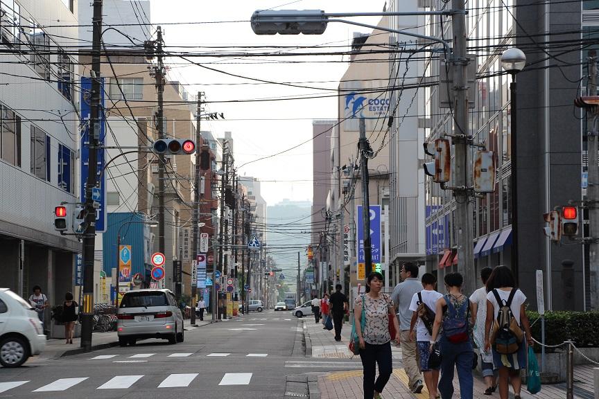 小中央通りより青葉山.jpg